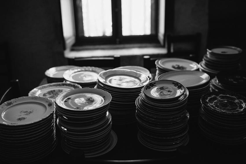 vintage plates wedding detail
