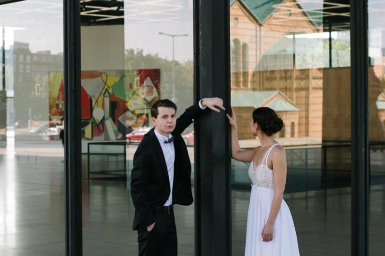 Hochzeitsfotograf Berlin Neue Nationalgalerie Brautpaar Fotoshooting