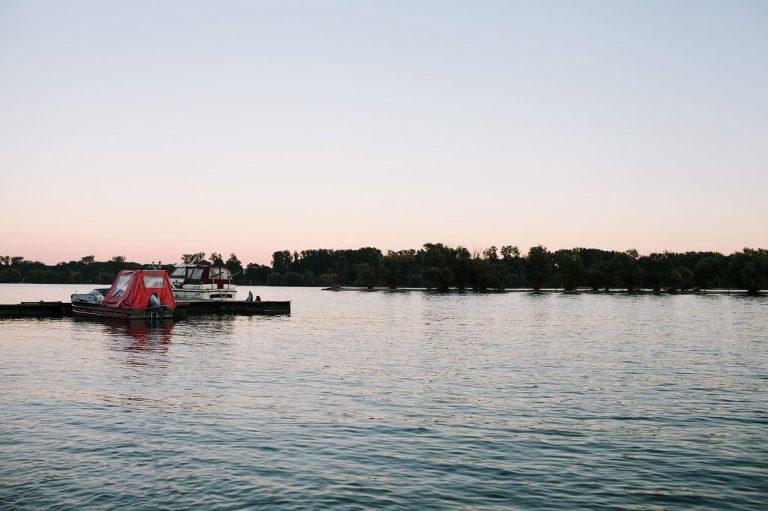 Rheinufer im Rheingau